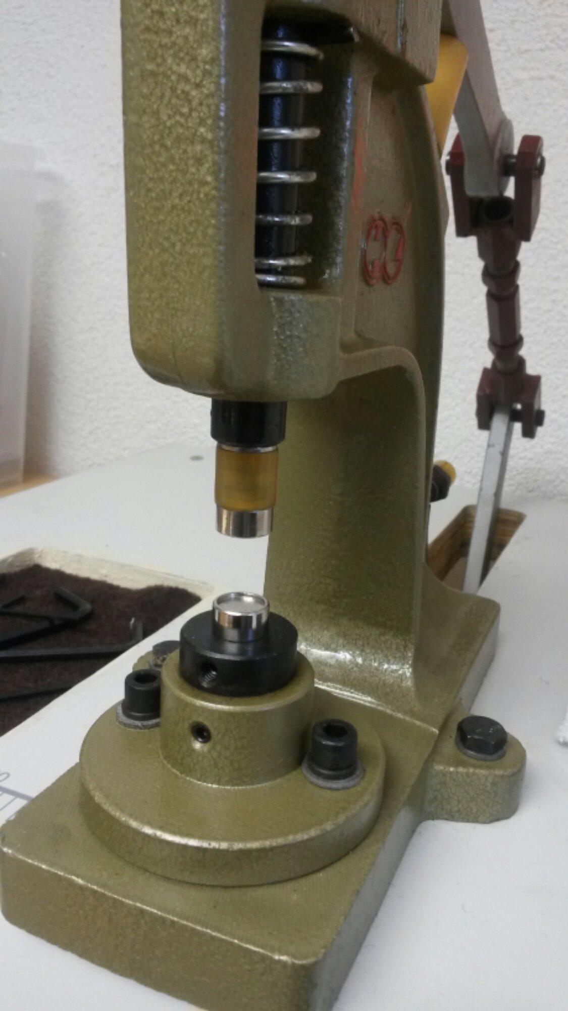 Es werden dieselben Aufsätze wie bei der Snapmaschine DK 98 benutzt.